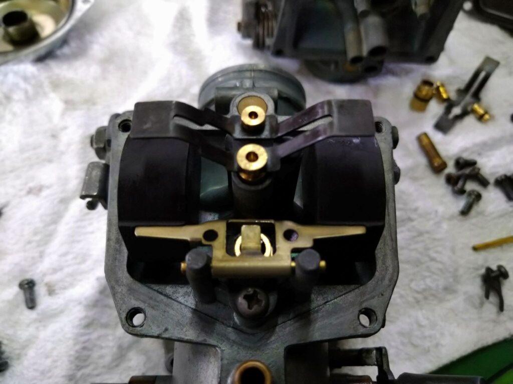 CL250キャブのフロート内部